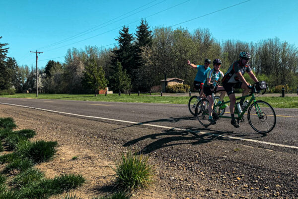 Bike Indy Oregon cyclers riding through Independence
